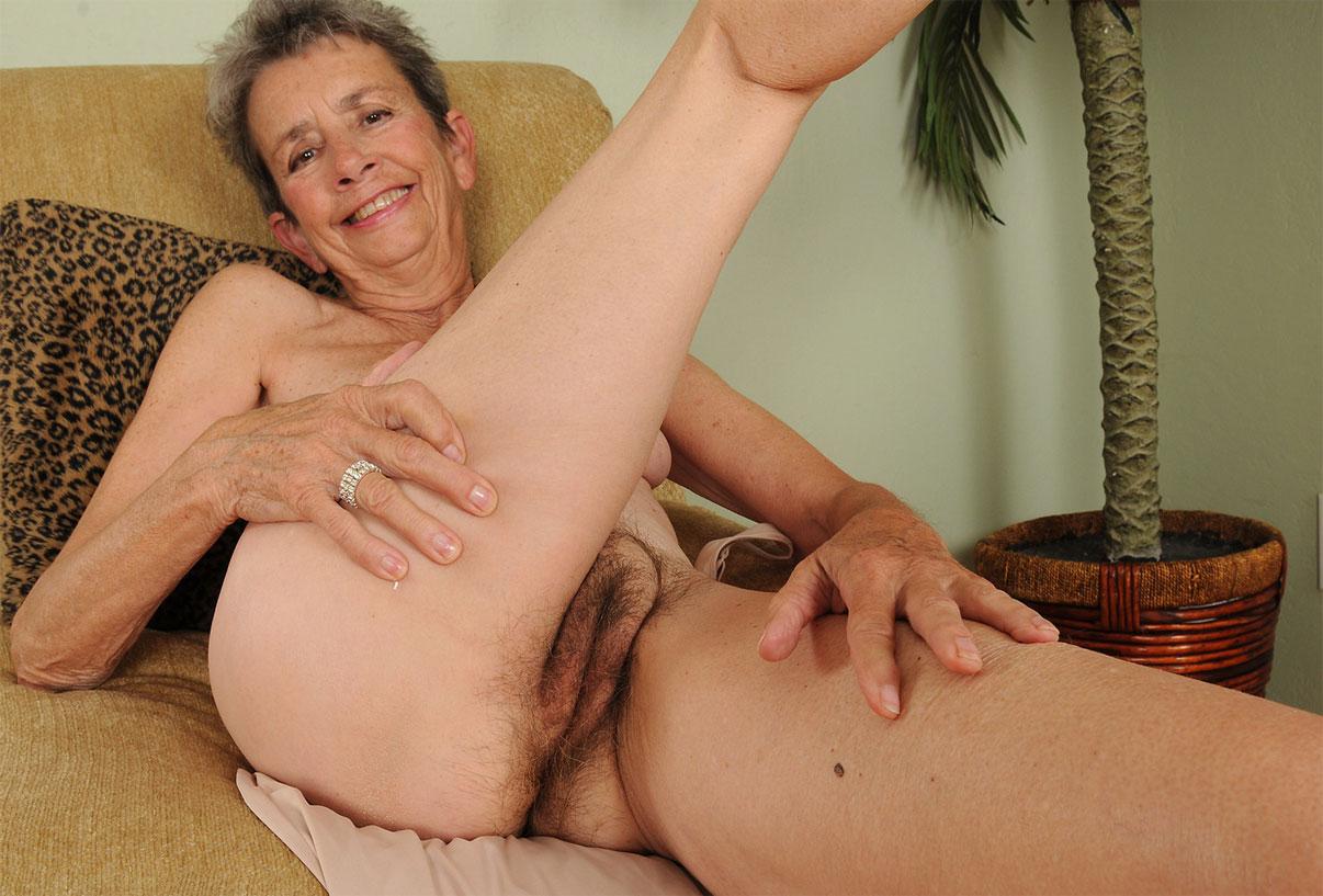 Волосатые пизды старушек сексвидео фото 261-397